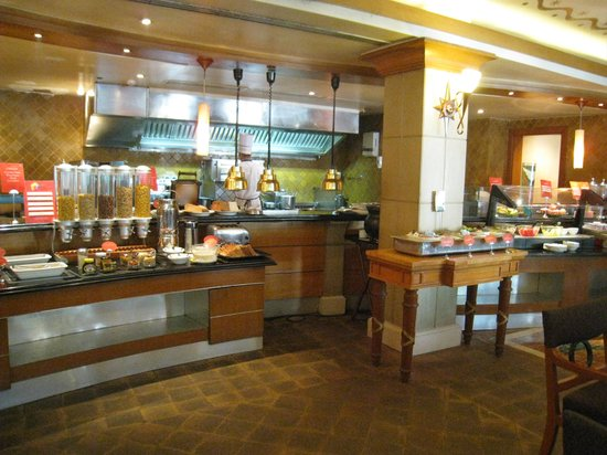 Sheraton Park Hotel & Towers: Breakfast