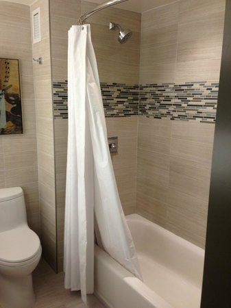 Hyatt Regency Dallas: Updated Bath