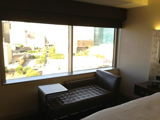 Hyatt Regency Dallas: Settee for looking out window at view