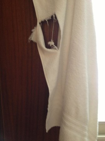 Hilton Brighton Metropole: Bathroom towel.