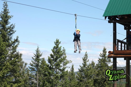 Winfield, Kanada: Our 6-year old ziplining