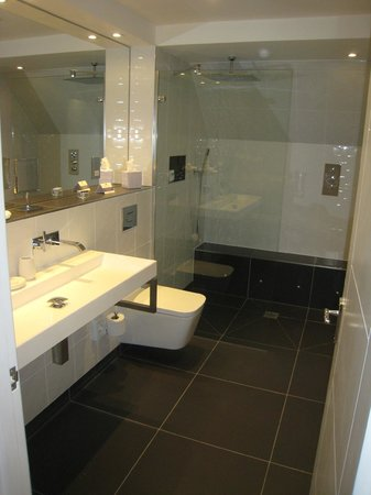Longueville Manor Hotel: Junior Suite 30 - Bathroom