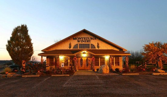 Seneca Falls, NY: Montezuma Winery at dusk