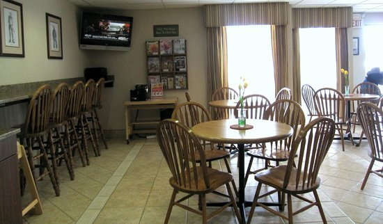 Boothill Inn & Suites : Breakfast area