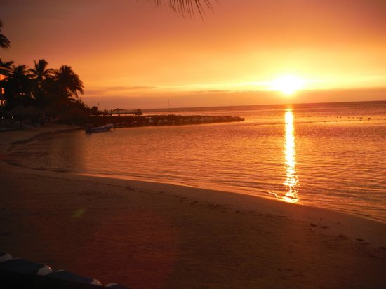 Holiday Inn SunSpree Resort Montego Bay: Sunset