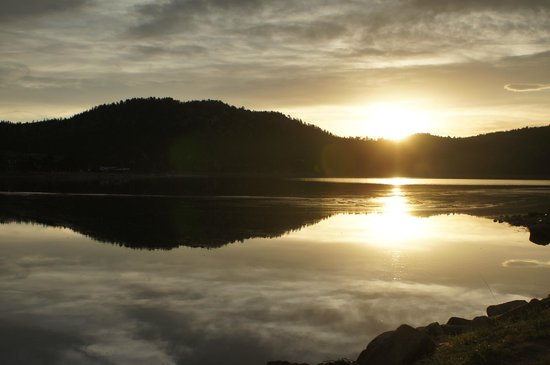 Comfort Inn Estes Park: Dawn at the lake
