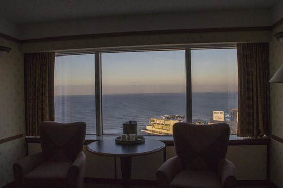 Bally's Atlantic City: View of ocean from the room