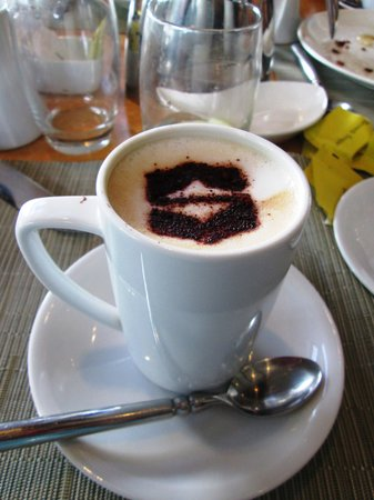 Visayas, Philippines: Cappuccino with the Shangri-La Touch!