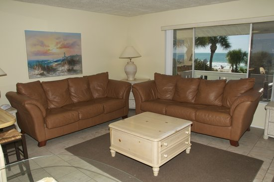 White Sands Beach Resort: Units 11 & 12 Living room