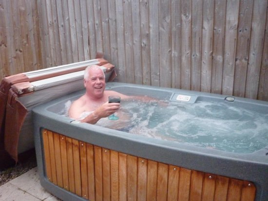 Pentre Mawr Country House: Loved the hot tub didn't you John lol