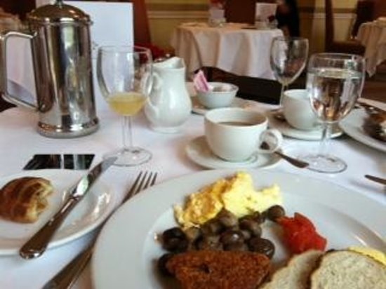 Careys Manor Hotel & SenSpa: breakfast!