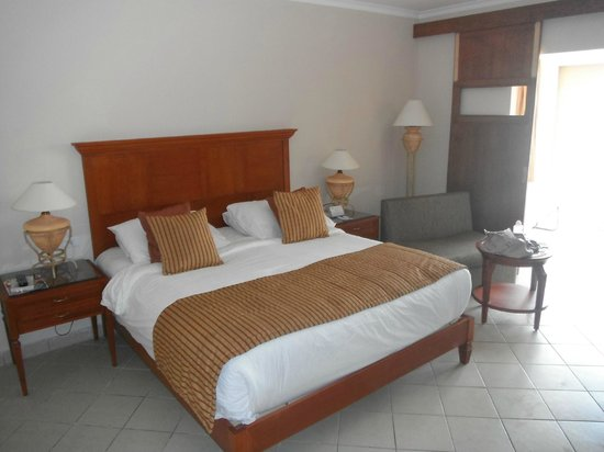 Coral Sea Waterworld Resort: Room 2157