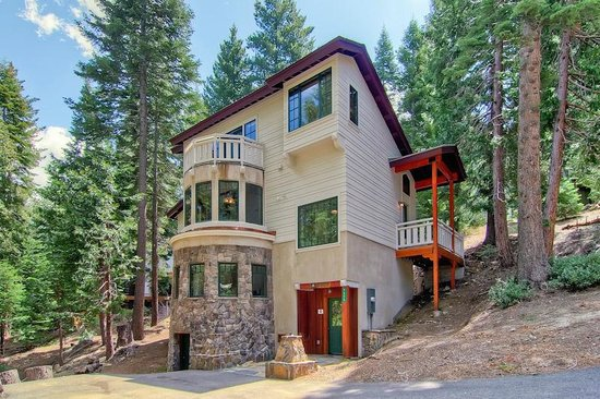 ‪Yosemite's Scenic Wonders Vacation Rentals‬