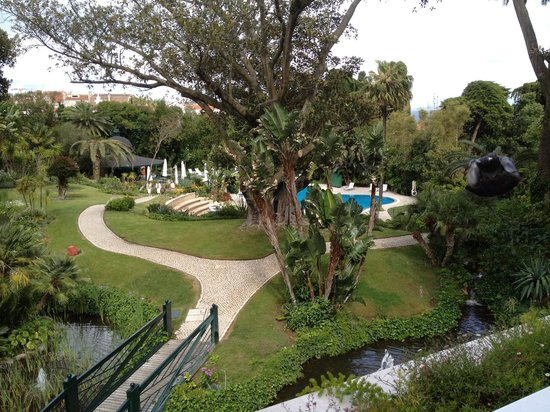 Olissippo Lapa Palace: View of the garden from our room