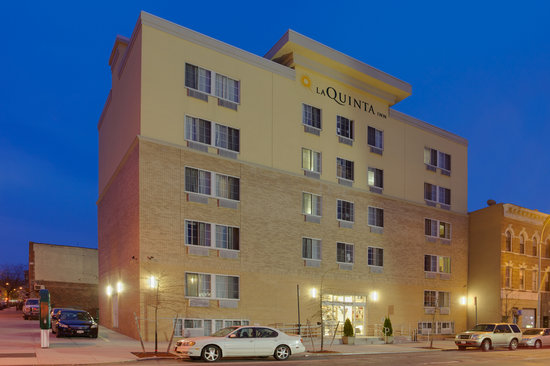 ‪La Quinta Inn & Suites Brooklyn Downtown‬