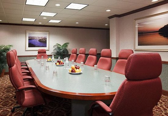 West Chester, OH: Executive Boardroom