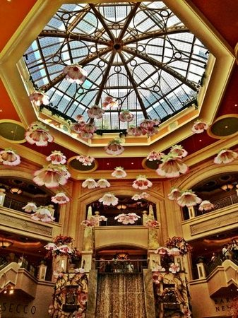 The Palazzo Resort Hotel Casino: cherry blossoms