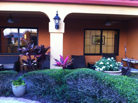 Hampton Inn & Suites St. Augustine-Vilano Beach: Patio