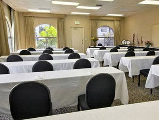 Days Hotel - Hotel Circle by SeaWorld: Meeting Room East Wing