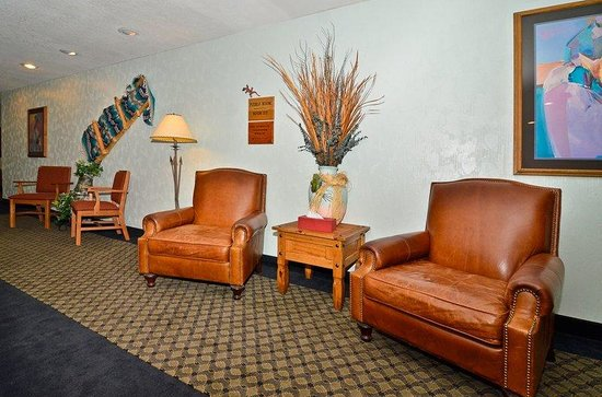 BEST WESTERN PLUS Saddleback Inn & Conference Center: Lobby