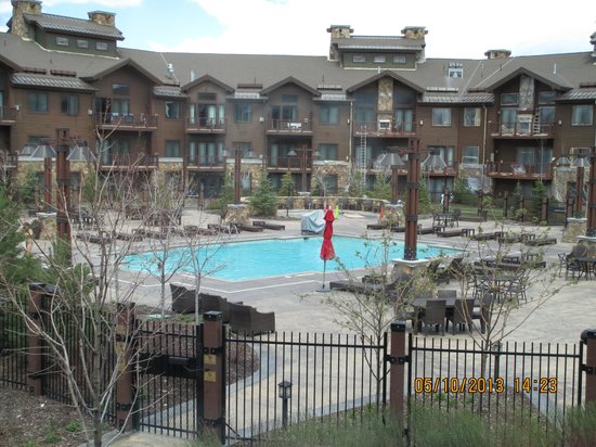 Waldorf Astoria Park City: pool area under improvement