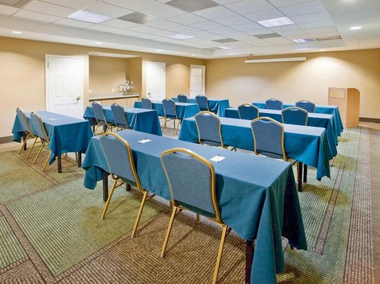 La Quinta Inn & Suites Atlanta Alpharetta: Meeting Room