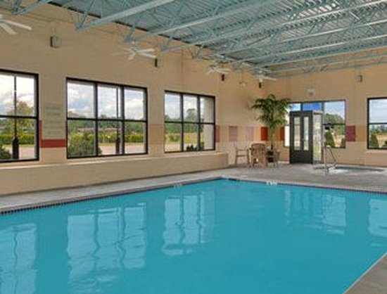 Mount Pleasant, MI: Indoor Pool
