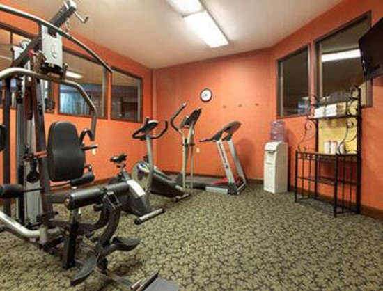 Ramada Biltmore West: Fitness Center