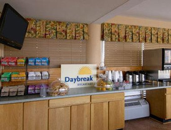 Days Inn Pensacola Beachfront: Breakfast Area