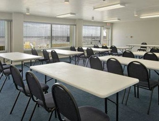 Days Inn Pensacola Beachfront: Meeting Room