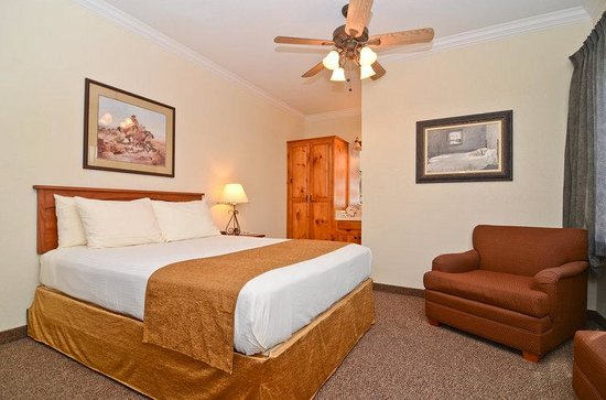 BEST WESTERN Dinosaur Valley Inn & Suites: Master Suite