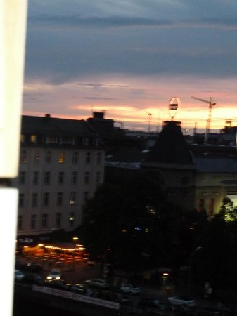 Melia Berlin: Sunset viewed from the room