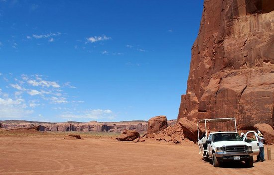 Monument valley foto di monument valley safari monument for Devils elbow fishing resort