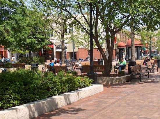 Coralville, IA: Iowa City Pedestrian Mall