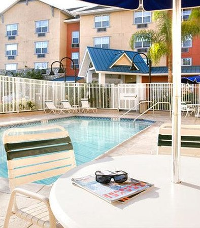 TownePlace Suites Los Angeles LAX/Manhattan Beach: Outdoor Pool