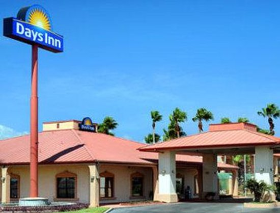 Welcome to the Days Inn Portland/Corpus Christi