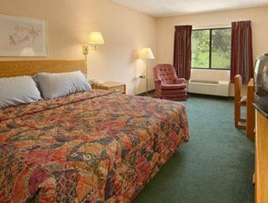 Ashland, KY: Standard King Bed Room