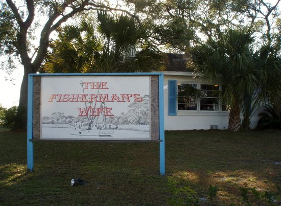 Carrabelle, FL: front sign faces side street