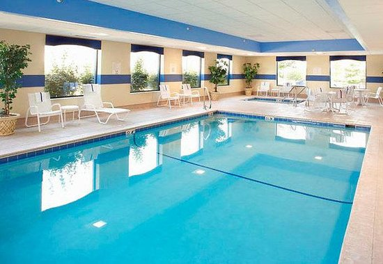 Fairfield Inn & Suites Des Moines West: Indoor Pool