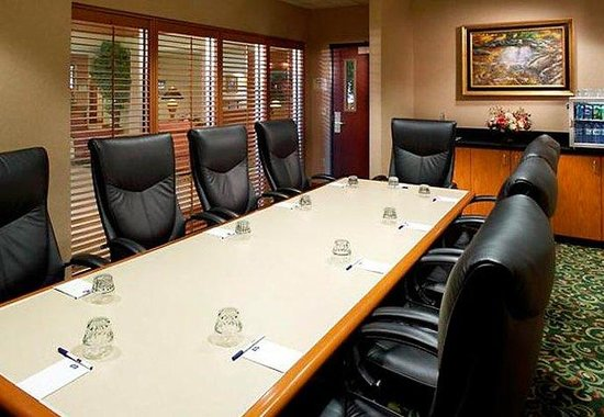 Fairfield Inn & Suites Des Moines West: Boardroom