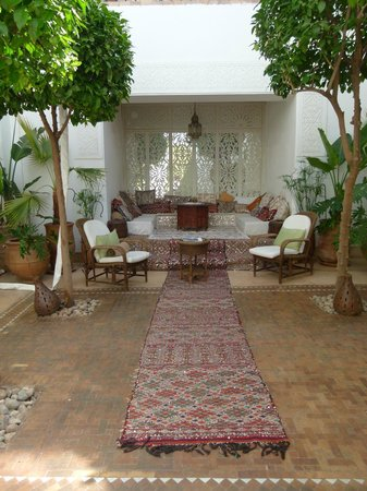 Riad Camilia: patio