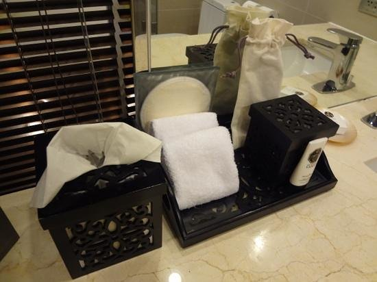 Sofitel Philippine Plaza Manila: toiletries