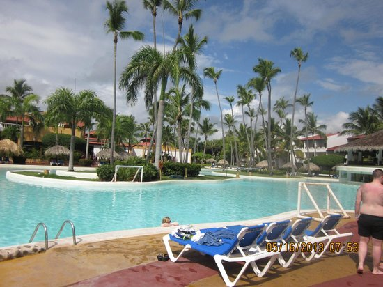 Occidental Grand Punta Cana: Pool side