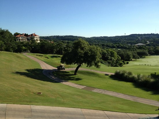 Barton Creek Resort & Spa: View from the hotel overlooking Fazio course