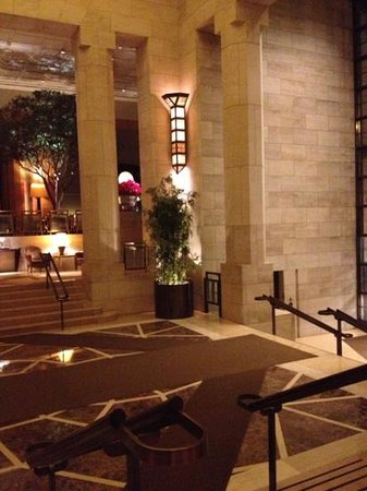 Four Seasons Hotel New York: magnificent lobby