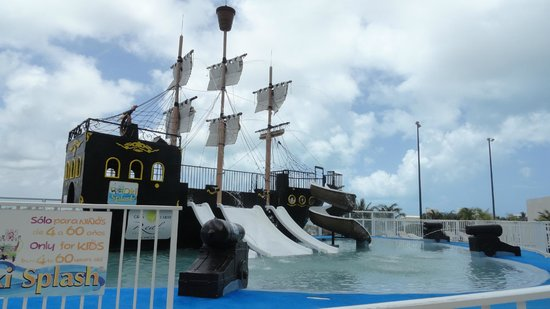 Gran Caribe Real Resort & Spa: Kid's Pirate ship/water playground