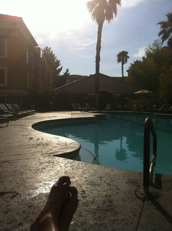 Desert Rose Resort : Desert Rose Pool area - too small?