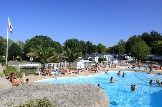 Camping les mielles saint cast le guildo france for Camping de la piscine brittany