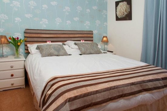 Brookford B&B Double ensuite bedroom - Picture of St. John\'s Townbrookford town