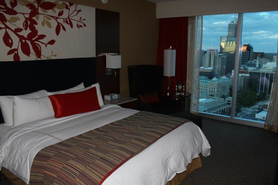 JW Marriott Indianapolis: Executive suite sleeping room